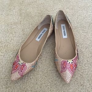 Steve Madden jeweled pointed flats, size 6